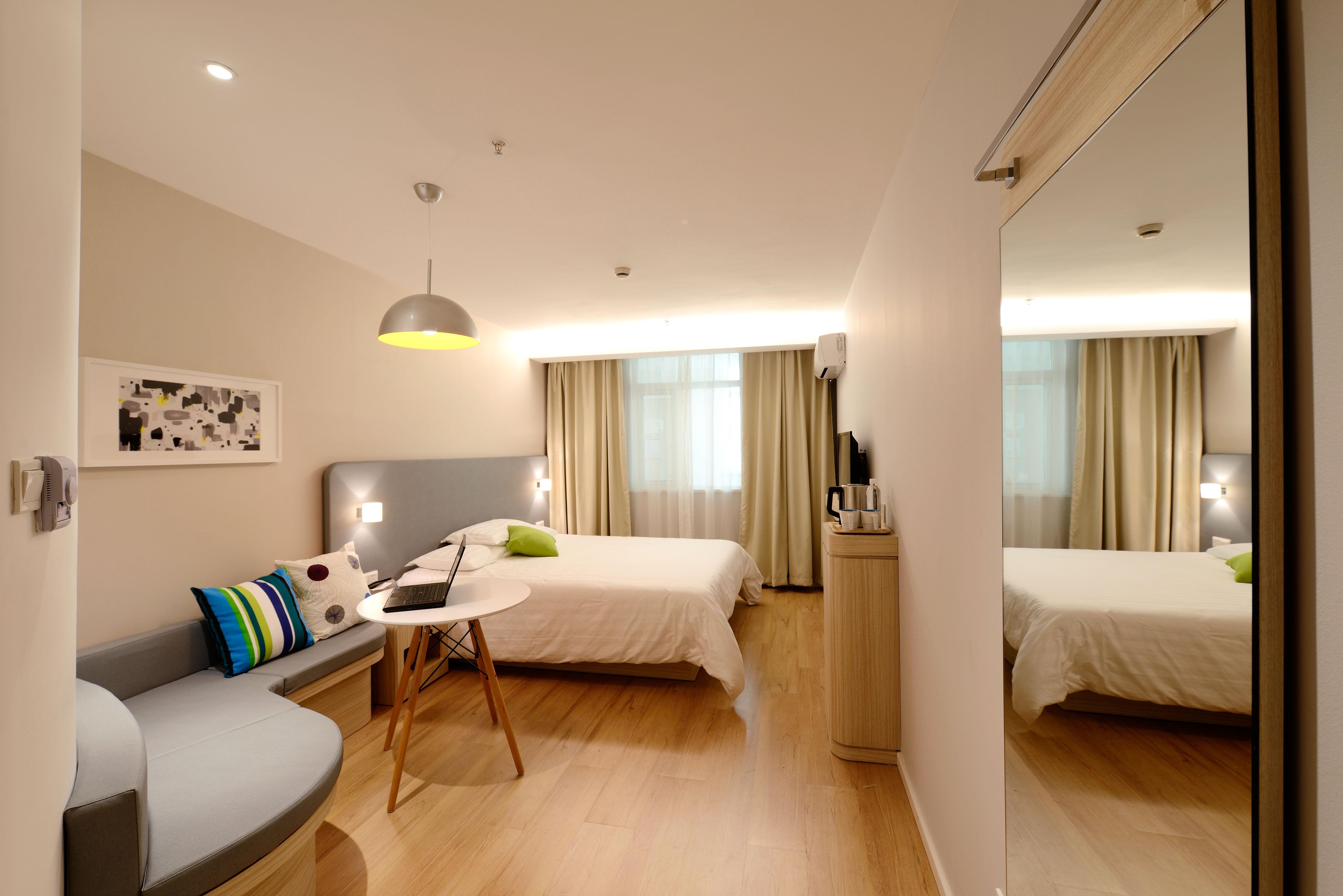 Hotelszobák szőnyegezése, hotelek vendéglátás burkolás