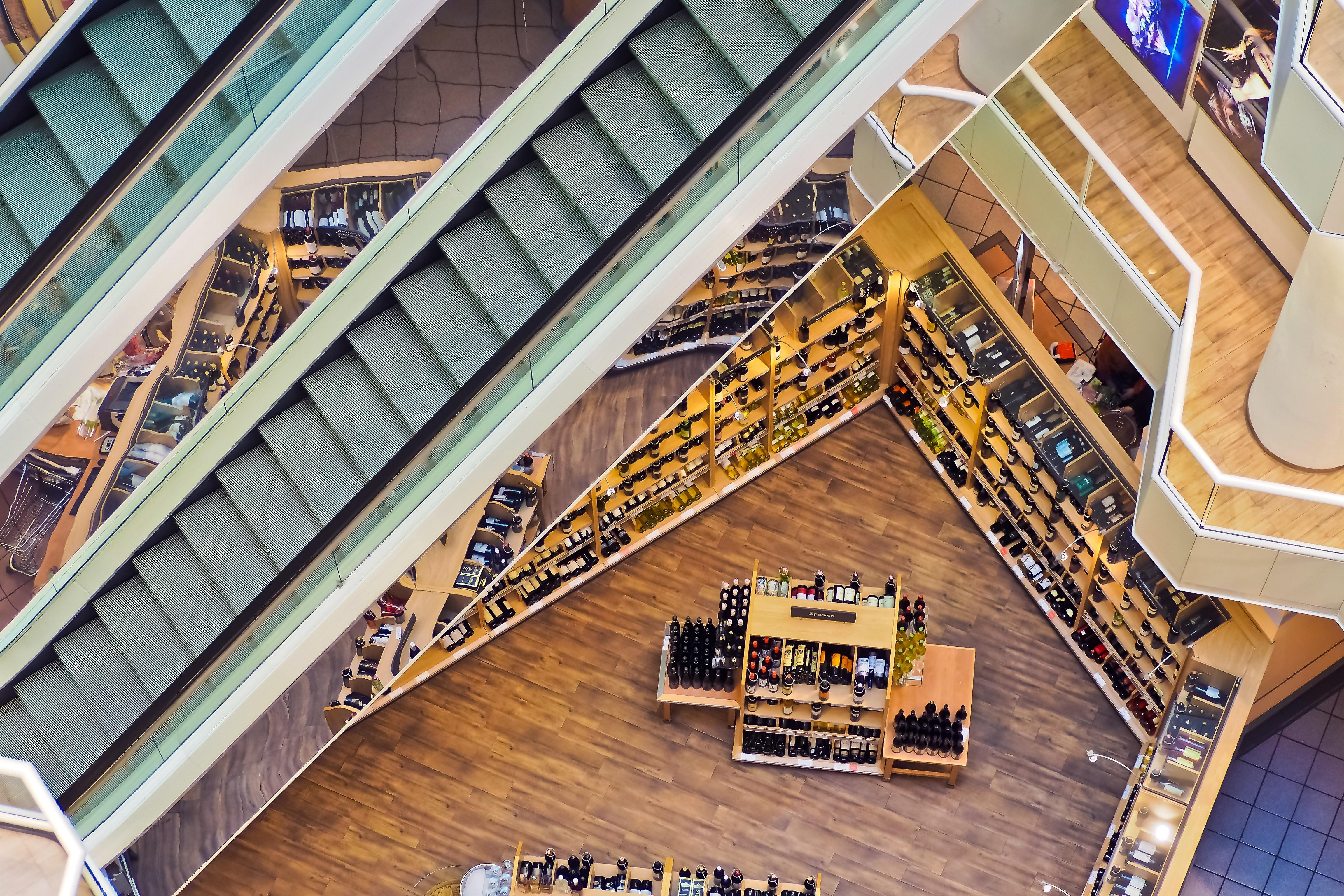 bolt, üzlet vagy szolgáltatóegység burkolás - padlózás